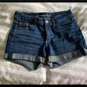Universal thread shorts 00